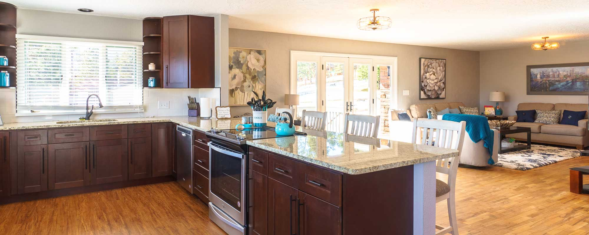 Traditional, contemporary, craftsman-style open layout kitchen