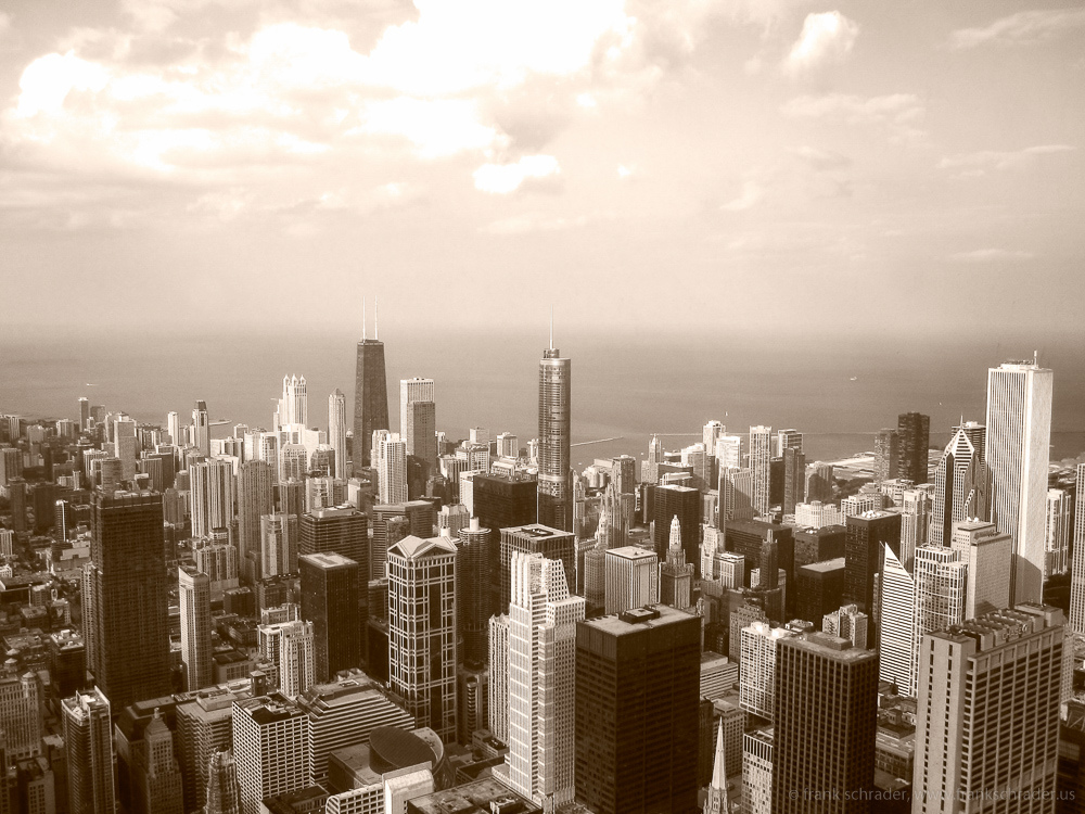 Skyline Chicago in sepia colors
