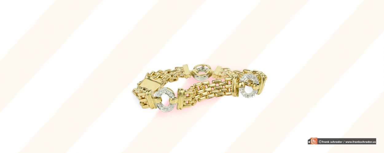 Product Photography: Jewelry, Gold and Diamonds (Cartier Bracelet)